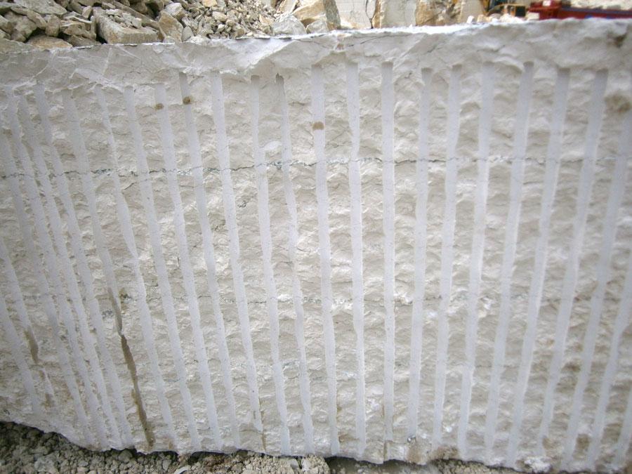 Blocco in Bianco Asiago da cm 115 (taglio a fioretto)