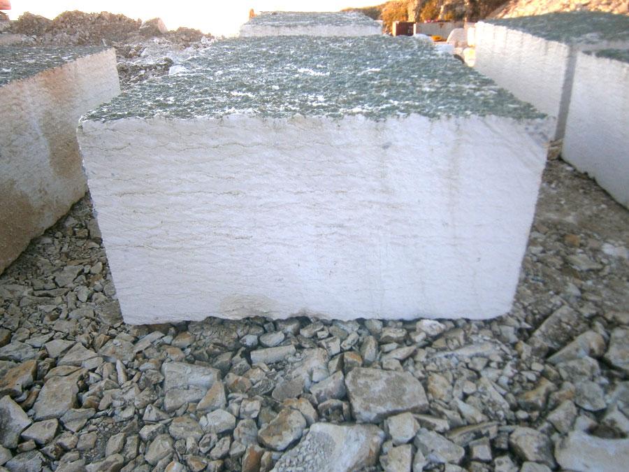 Blocco in Bianco Asiago corso da cm 100 (taglio a sega)