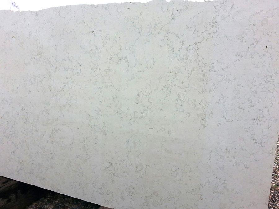 Lastra in Bianco Asiago di seconda scelta segata al verso