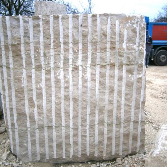 Blocco in marmo Verdello (taglio a fioretto)