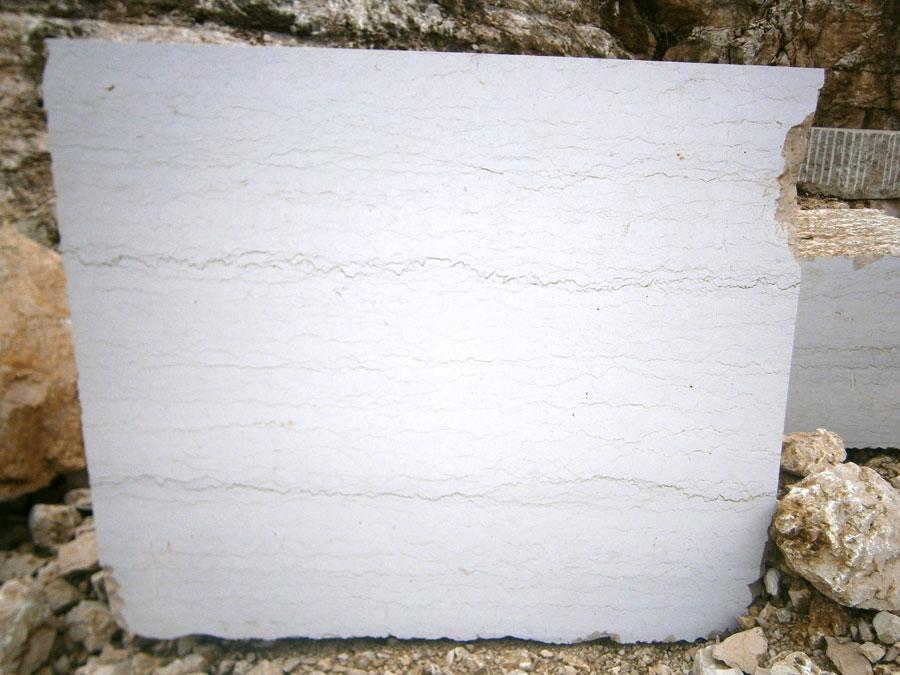 Blocco in marmo Verdello (taglio a sega).